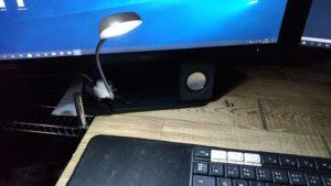 USBハブに接続して点灯